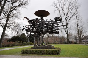 How To Manage A Chaos Machine Jean_Tinguely_-_Heureka_-_Zürichhorn